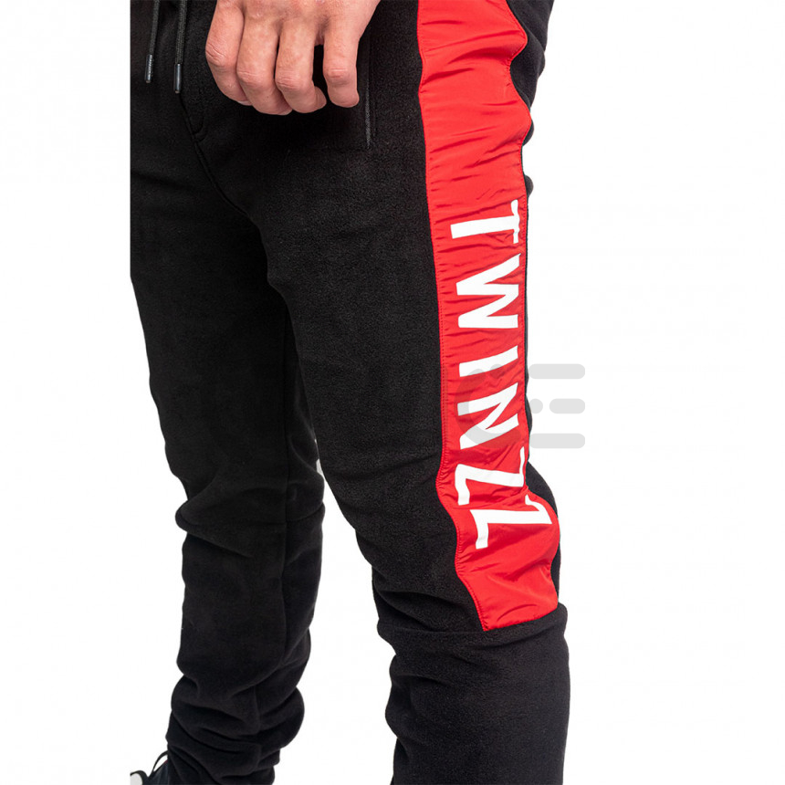 Černo červené plyšové tepláky Twinzz Warren
