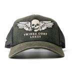 Tmavě šedá kšiltovka TWINZZ Winged Skull Trucker